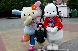 ハーモニーランドキャラクターとおねえちゃん